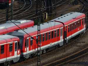 train-167988_640