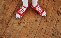 靴に雨で臭いが!悪臭退治の救世主はキッチンに集結している!?